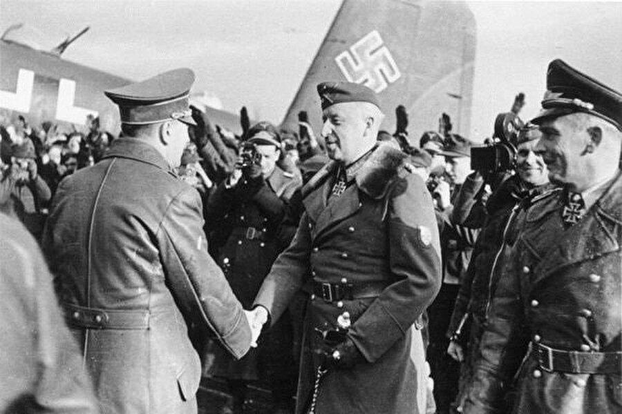 II. Dünya Savaşı'nın Doğu Cephesi'nde önemli miktarda kayba rağmen Adolf Hitler'in Kırım'ı işgal emri Alman zaferi ile neticelendi ve bu savaş anısına bir Nazi hatıra madalyası bile çıkarıldı.