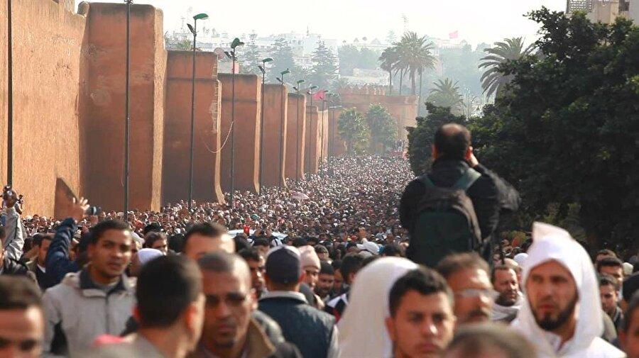 Abdusselam Yasin'in Rabat'ta düzenlenen cenaze törenine yüz binlerce kişi katıldı.