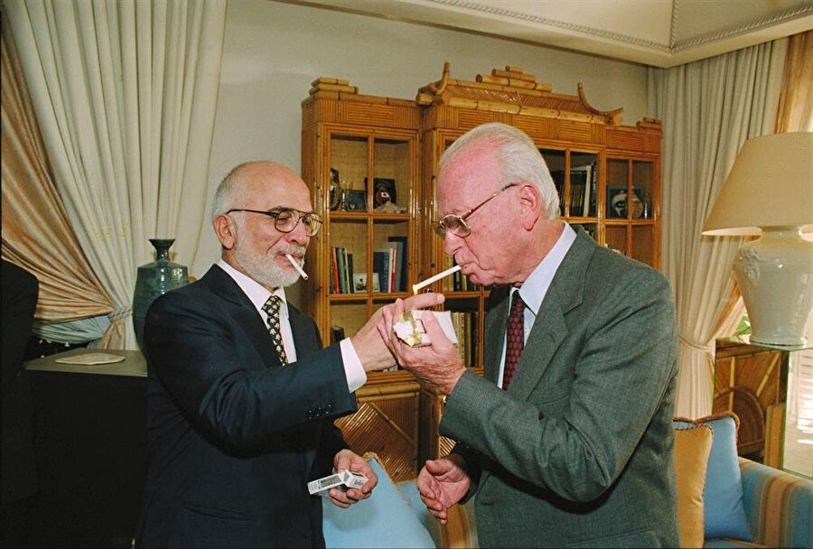 Ürdün Kralı Hüseyin (Solda) ve İsrail Başbakanı Yitzhak Rabin.