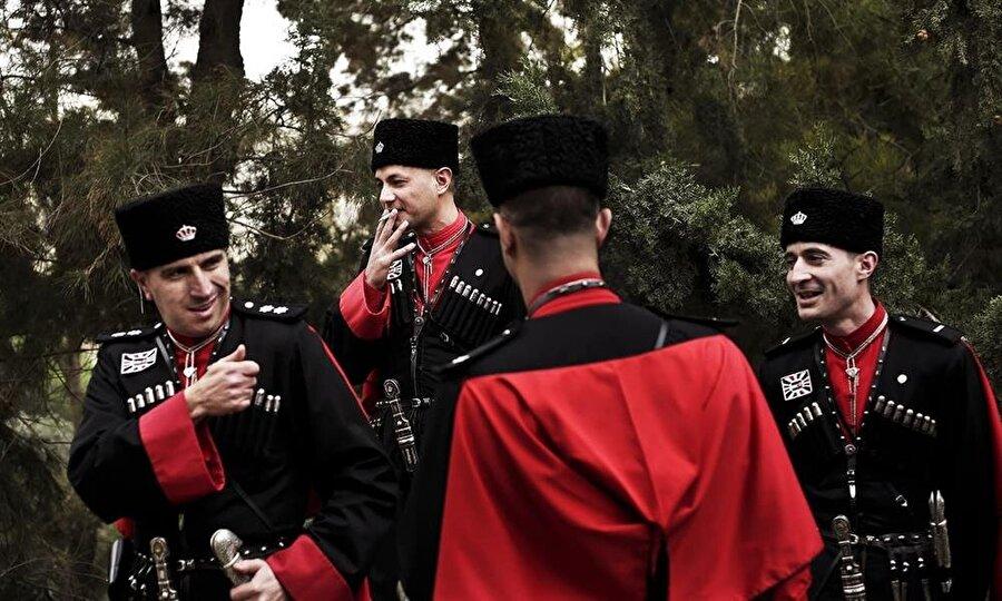 1921'den itibaren Ürdün yönetiminin emrine giren Çerkezler, önemli görevlerde bulundular.
