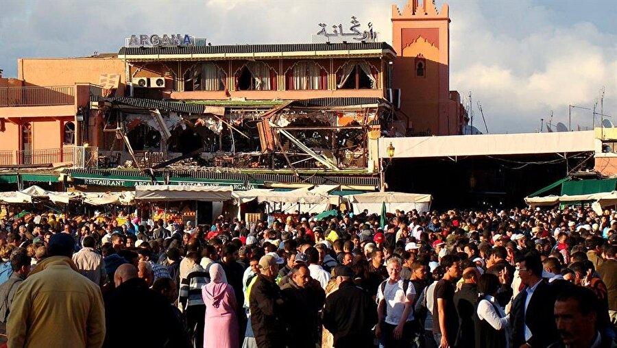 2003 ve 2011'de Kazablanka ve Marakeş'te düzenlenen bombalı saldırılar, Kral Altıncı Muhammed'in ülkedeki dinin pratiklerle ilgili daha sıkı kararlar almasına yol açtı.