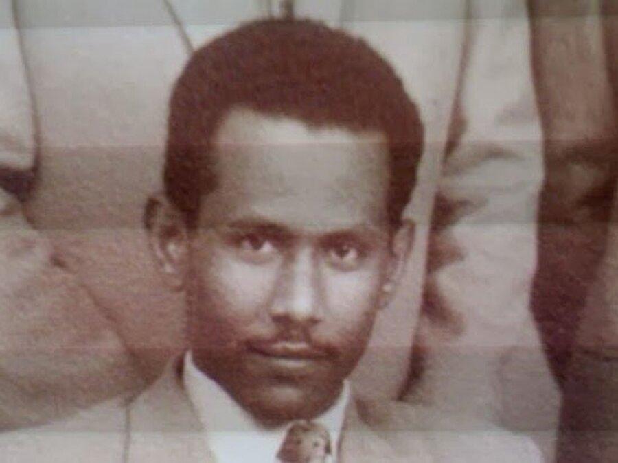 Hasan Turabi, gençlik çağlarından itibaren hem akademide hem de siyasette etkin bir isimdi.