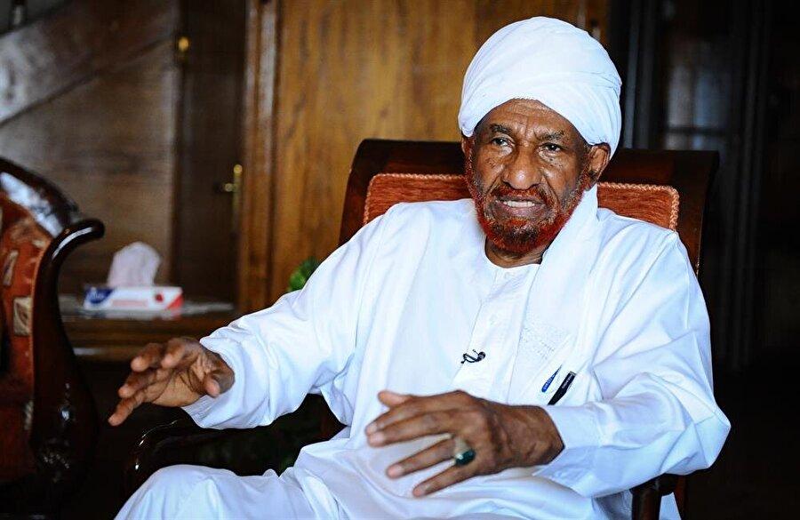 Bugün 85 yaşında olan Sadık el Mehdi, Sudan siyasetinin önde gelen aktörlerinden.