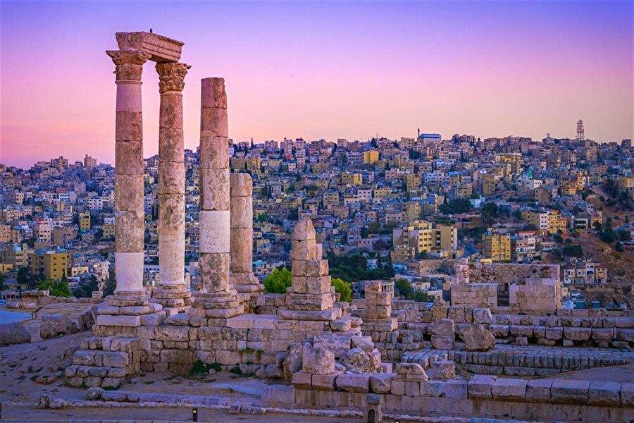 Amman, Roma döneminden kalma çok sayıda esere ev sahipliği yapıyor.