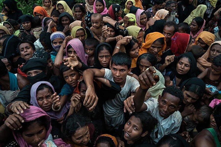 Myanmar hükümeti, Müslüman Rohingya halkının yaşadığı problemlere kulaklarını tıkamayı sürdürüyor.