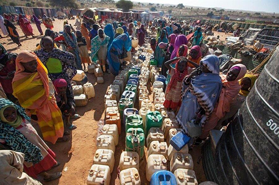 Bölge insanı sadece savaşların değil, açlık ve susuzluğun da etkisi altında.