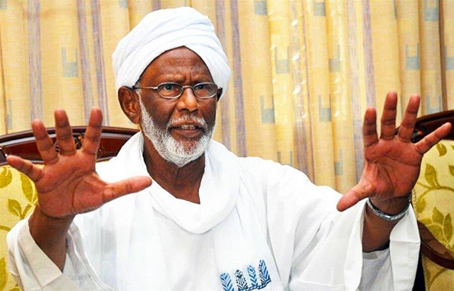 Sudan eski adalet bakanı ve muhalif lider Hasan Turabi.