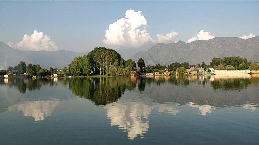 Keşmir, doğal kaynakları ve tabiatıyla olağanüstü bir güzelliğe sahip. (Fotoğraf: Abdulkadir Aksöz)
