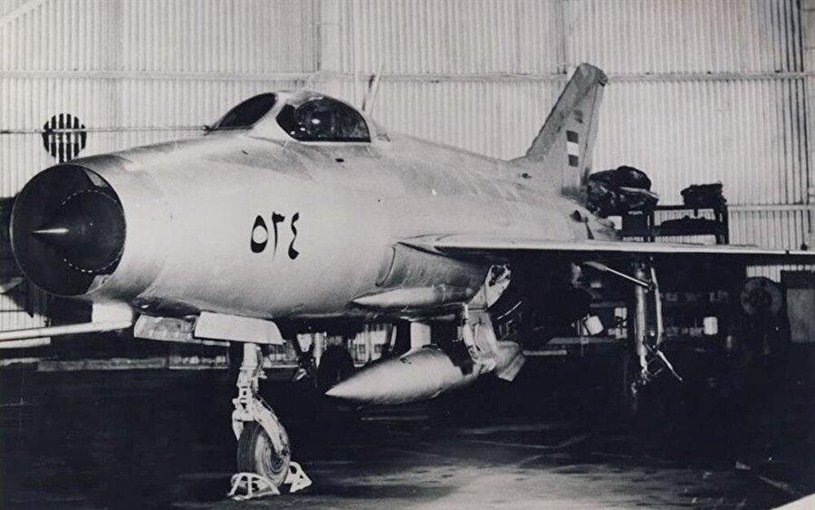Bir milyon dolar karşılığında Irak'tan İsrail'e getirilen MIG-21 tipi savaş uçağı.