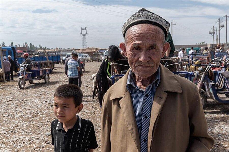 """Doğu Türkistan bölgesini kontrol eden Çin, buraya """"Şincan"""" ismini vermiştir."""