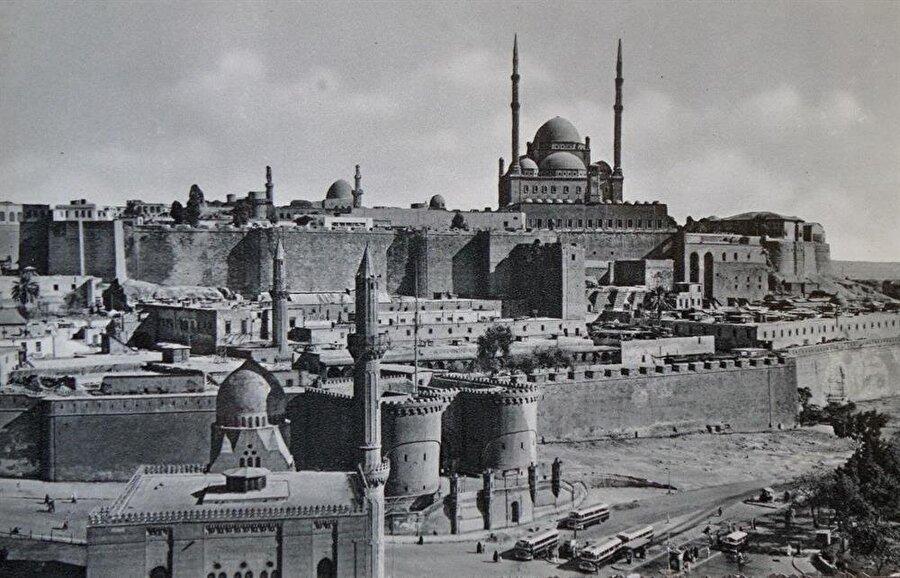 Kahire'de bulunan Mehmet Ali Paşa Camii'nin eski bir fotoğrafı.