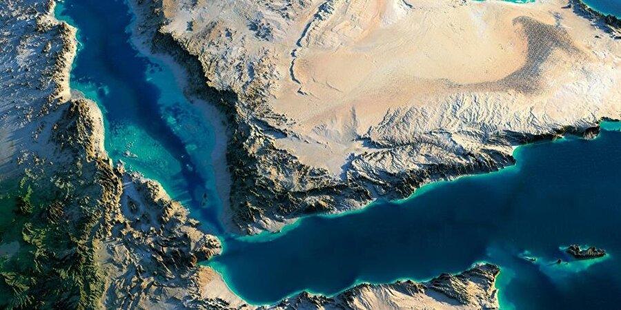 Arap Yarımadası ve Kuzey Doğu Afrika'yı birbirine bağlayan Aden Körfezi, Somali'yi bölgedeki kritik ülkelerden biri haline getiriyor.