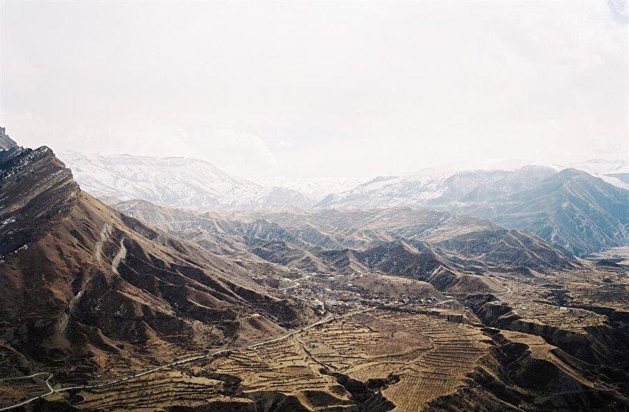 Şeyh Şamil'in dünyaya geldiği ve çocukluğunu geçirdiği Dağıstan, Gimri.