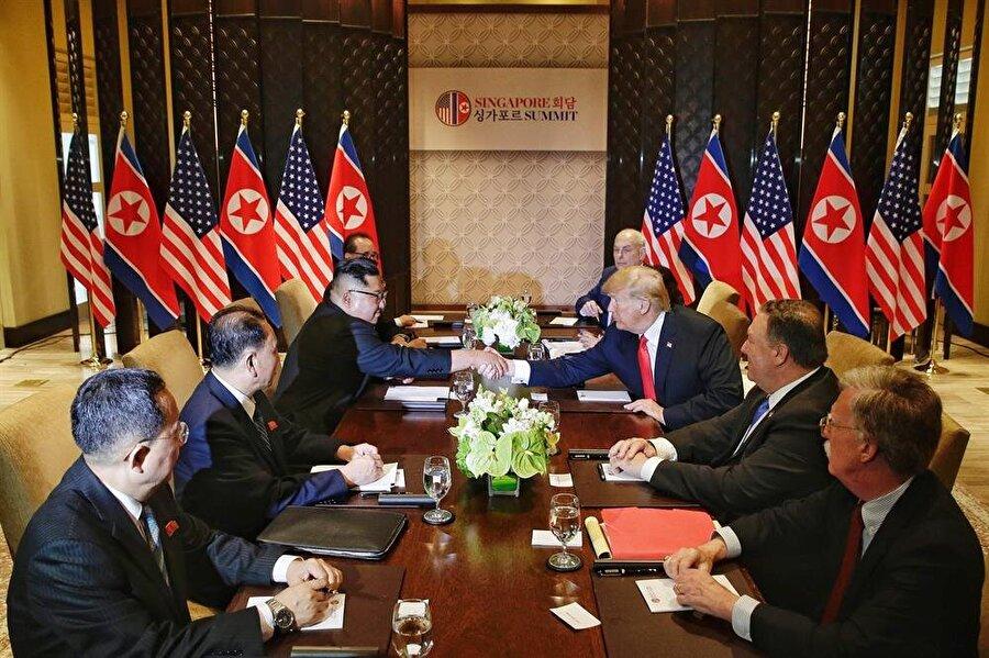 İki lider baş başa görüşmelerinin ardından heyetler arası görüşmeye geçti.