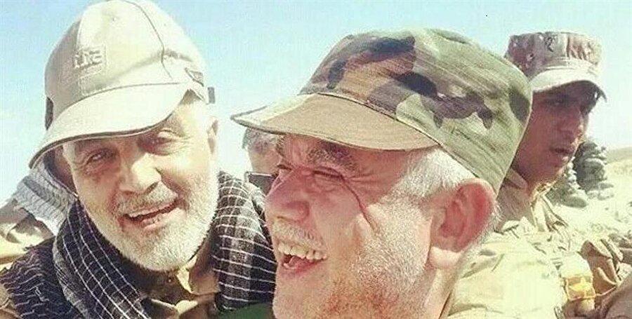 General Kasım Süleymani (solda), Hadi el Amiri'yle birlikte.