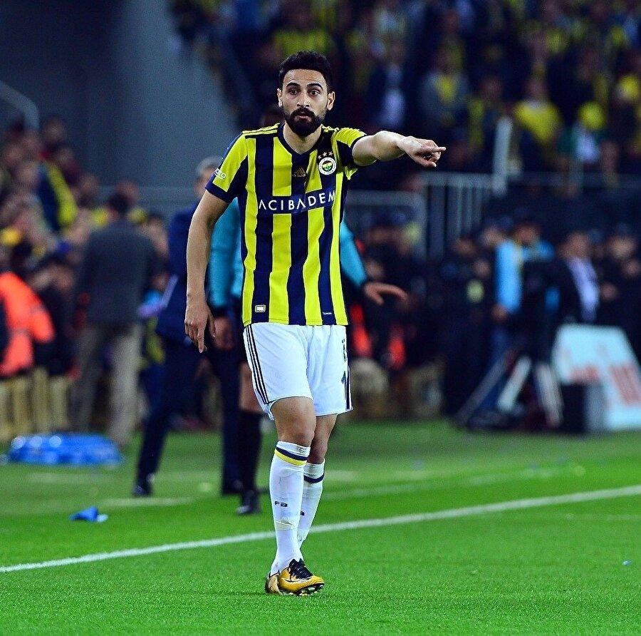 Mehmet Ekici, Fenerbahçe'ye transfer olabilmek için aylarca futboldan uzak kaldı.