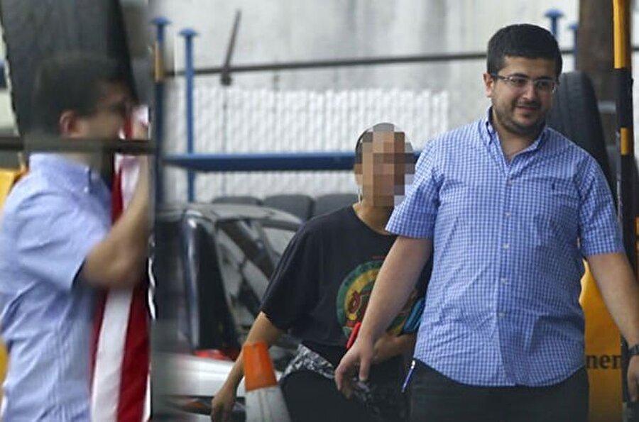 Kiliseye gelenler arasında, FETÖ darbe girişiminin kilit ismi firari Adil Öksüz'ün kayınbiraderi Abdulhadi Yıldırım'ın işyerinde Amerikan bayrağını öpen Türk çalışanının da yer aldığı görüldü.