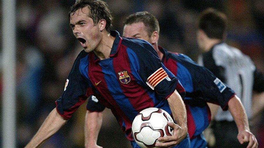 Barcelona ile 293 maça çıkan Cocu 37 gol atıp 20 asist yaptı.