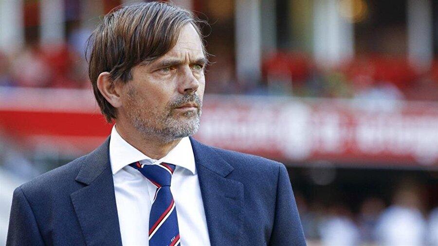 Fenerbahçe, Hollandalı teknik direktör Cocu ile anlaştı.