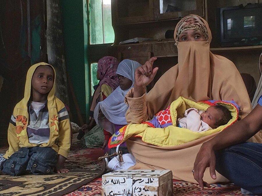 Sada Hanım, münferit hayretleriyle kimsesiz çocuklara sahiplik ediyor. (Fotoğraf: İsmail Yasin Avcı)