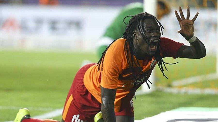 Gomis sergilediği performansla Galatasaraylı taraftarların sevgilisi haline geldi.