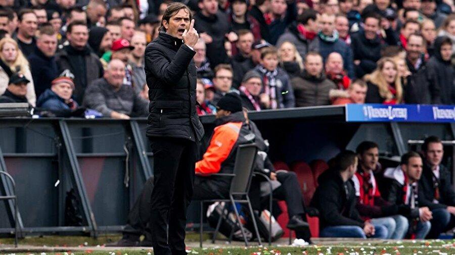 Cocu yönetimindeki PSV son dört sezonda önemli işlere imza attı.