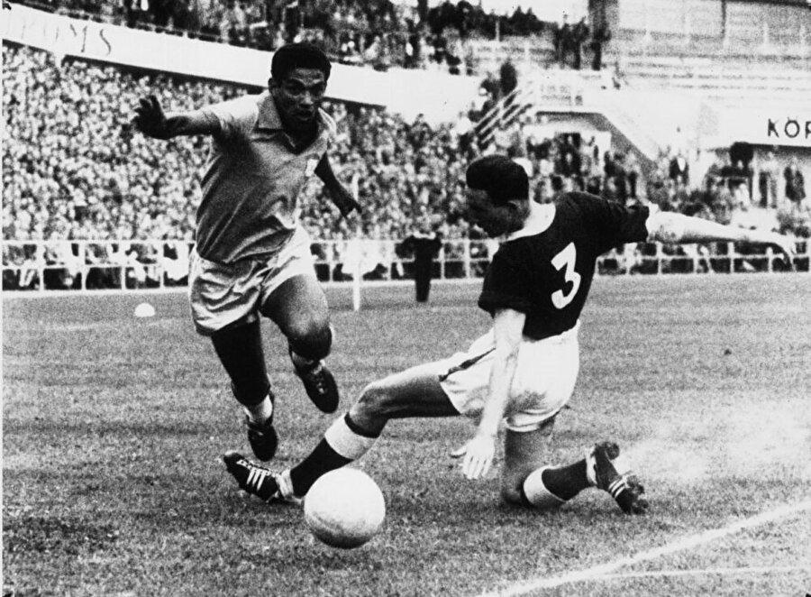 Garrincha uzun yıllar Botafogo forması giydi.