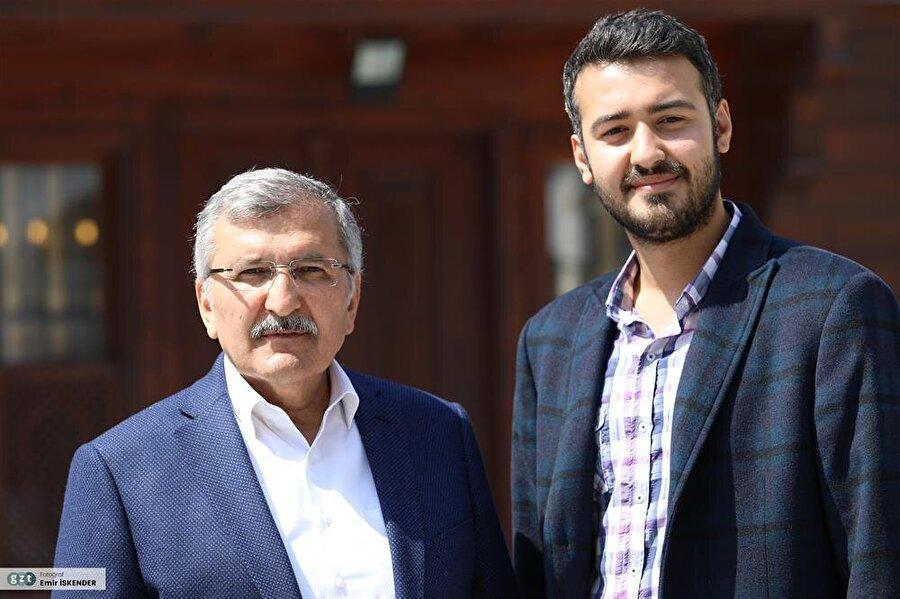 Bedriye Hanım ile evli olup, Hatice ve Muhammed Tayyib'in babasıdır.