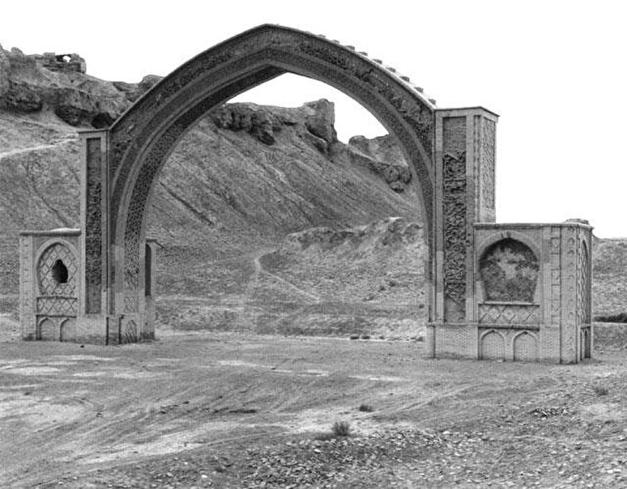 Son dönemde yapılan kazılarla, Leşker-i Bazar'ın birçok parçası ortaya çıkarılmıştır.