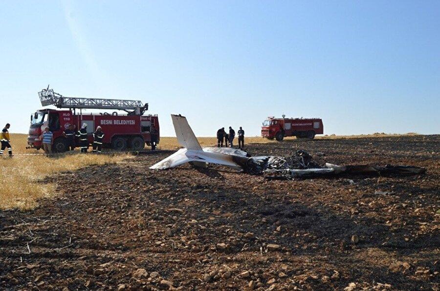 Eğitim uçağının düşmesi sonucu kursiyer pilot hayatını kaybetti.