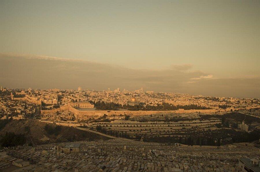 Zeytin Dağı'ndan Mescid-i Aksa ve Kadim Kudüs. (Fotoğraf: İsmail Çağılcı)