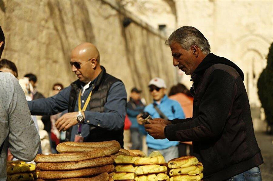 """Kudüs'te, İsrail'in para birimi olan """"şekel"""" geçerli. (Fotoğraf: İsmail Çağılcı)"""