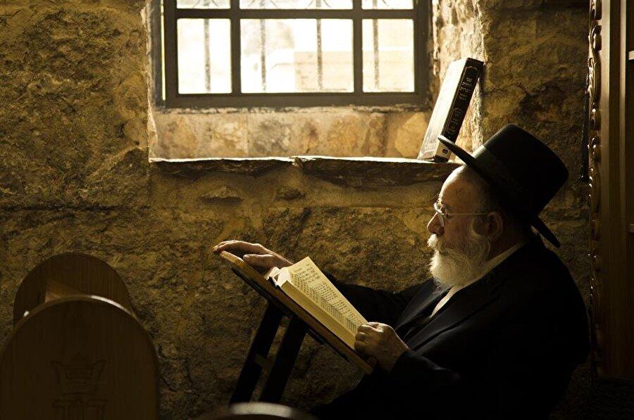 Hz. Davud'a nispet edilen kabir, Yahudilerin uğrak noktalarından. (Fotoğraf: İsmail Çağılcı)