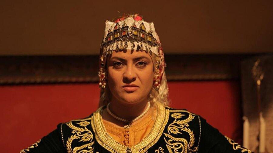 Seyyide Hurra'nın sıra dışı hikâyesi, Arap televizyonlarında dizi olarak da yayınlandı.