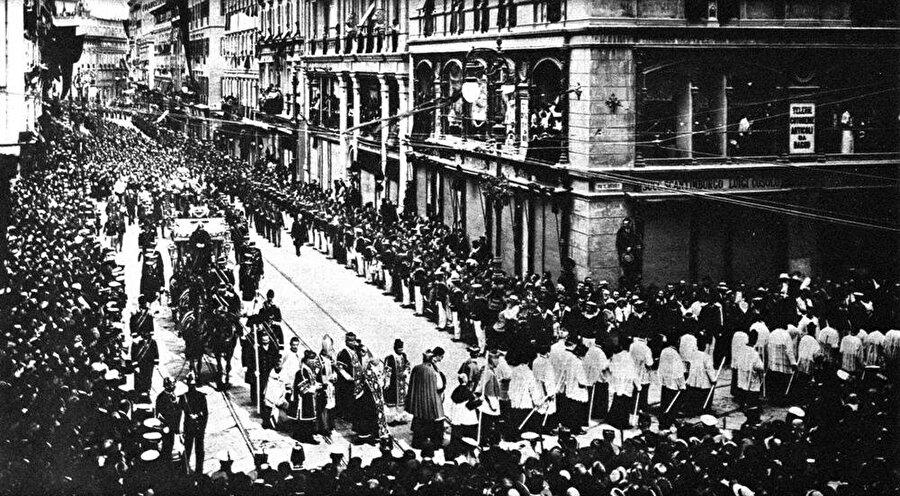 Franz Ferdinand ve Sophie için Avusturya'nın başkenti Viyana'da bir cenaze töreni düzenlendi.