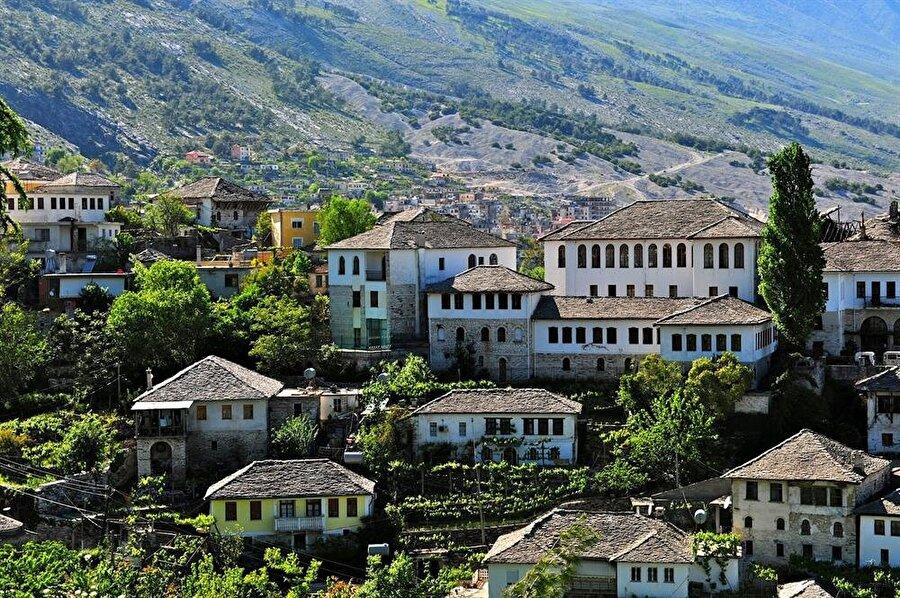 Ergiri, Osmanlı mimarisinin birebir korunduğu nadir örneklerden biri. Şehir, UNESCO Dünya Kültür Mirası listesinde bulunuyor.