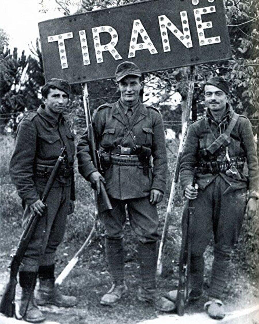 Partizanlar, 1944 Kasım ayının ortalarında Tiran'a girmeyi başardı ve ay sonunda ülkenin tamamı işgalden kurtarıldı.