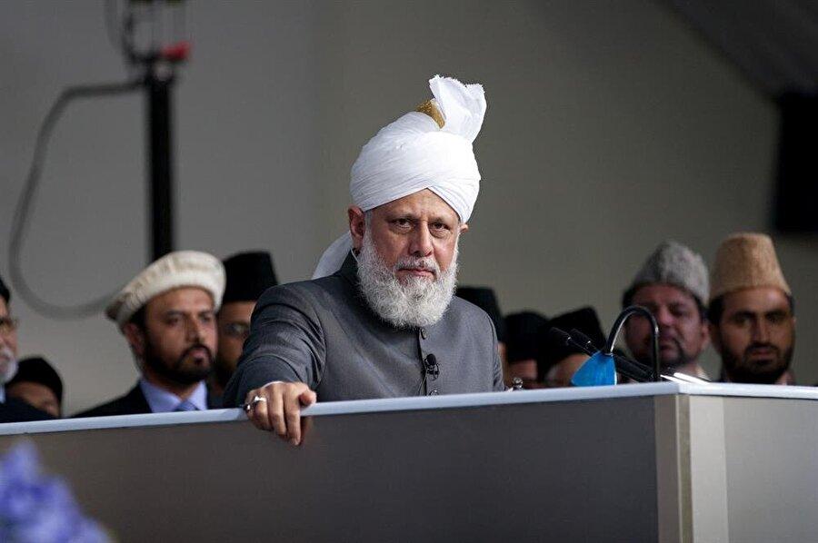 Mirza Masrur Ahmed, Ahmediyye Hareketi'nin bugünkü lideri konumunda.