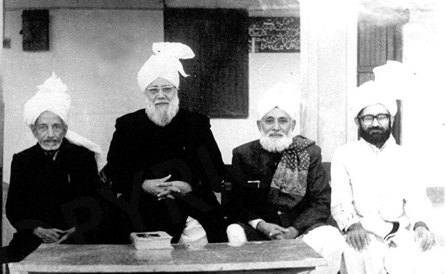 Ahmdilerin yoğun olarak yaşadığı Rabwah'ta meydana gelen olaylar, yapıya bakışı bütünüyle değiştirdi.