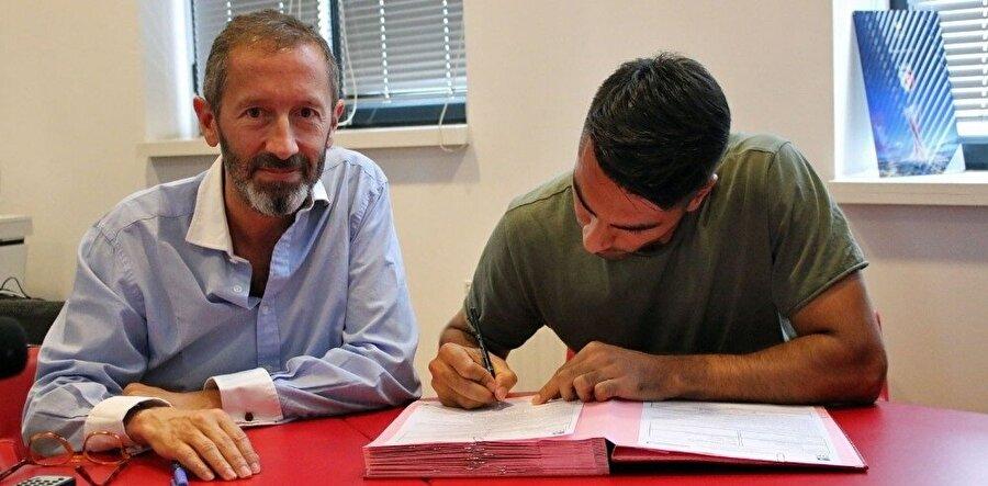 Geride bıraktığımıs sezon İstanbulspor ile 38 maça çıkan Zeki 3 gol atıp 1 asist yaptı.