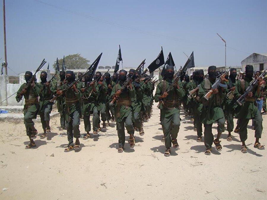Batılı güçlerin Somali'ye sürekli müdahalesi, Eş-Şebab gibi örgütlerin halk nezdinde taban bulmasına yol açıyor.