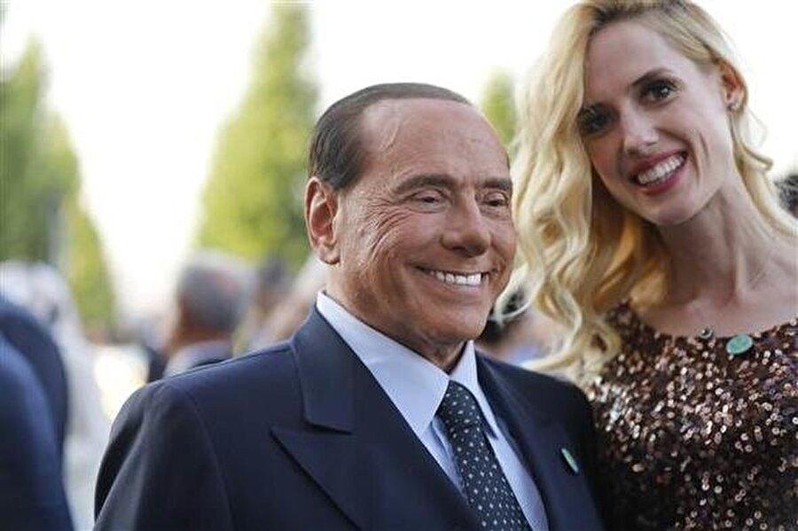Wilma Elles ve İtalya Eski Başbakanı Silvio Berlusconi