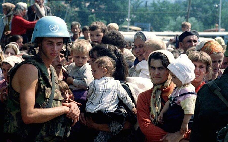 Radyo Bosna Hersek, ülkede yaşananları dünyaya duyurmaya çalışıyordu.