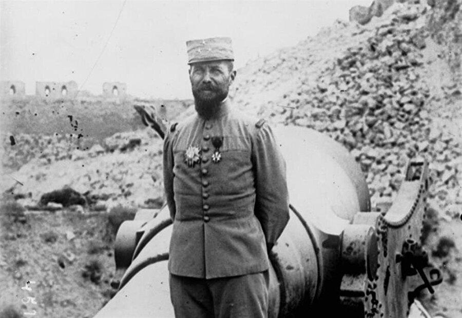 Fransa'nın Suriye Yüksek Komiseri General Henri Gouraud.