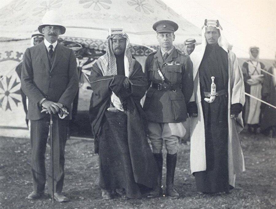 Nisan 1921'de kurulan Mavera-i Ürdün'ün başına Haşimi ailesinden Abdullah bin Hüseyin (Sol 2) getirilmişti.