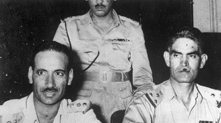 General Abdulkerim Kasım (Sağda) ve Albay Abdusselam Arif.
