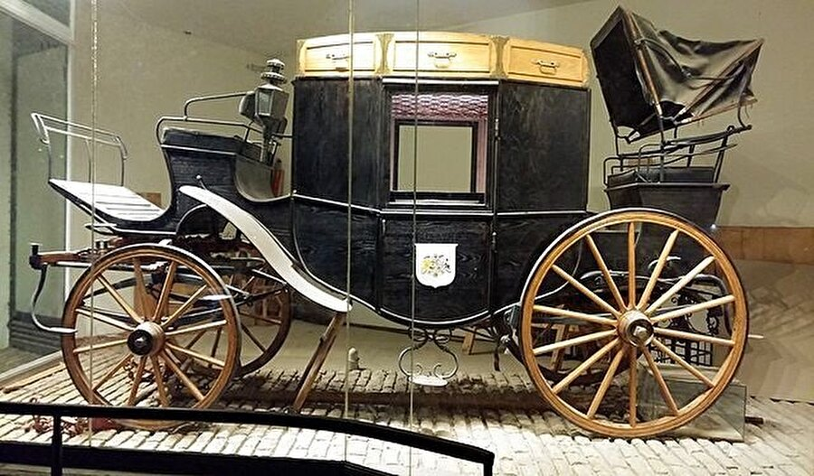 Moses Montefiore, bütün Osmanlı İmparatorluğu, Rusya ve Mısır topraklarını bu arabayla dolaşmıştı.