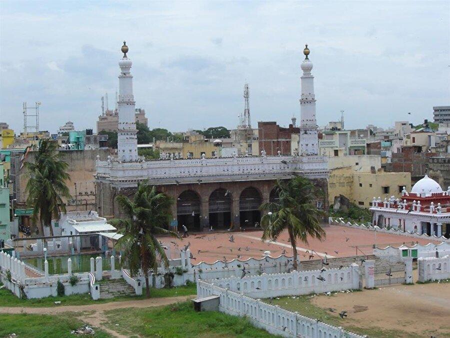 Wallajah Camii, Chennai'daki en eski camilerden biridir.