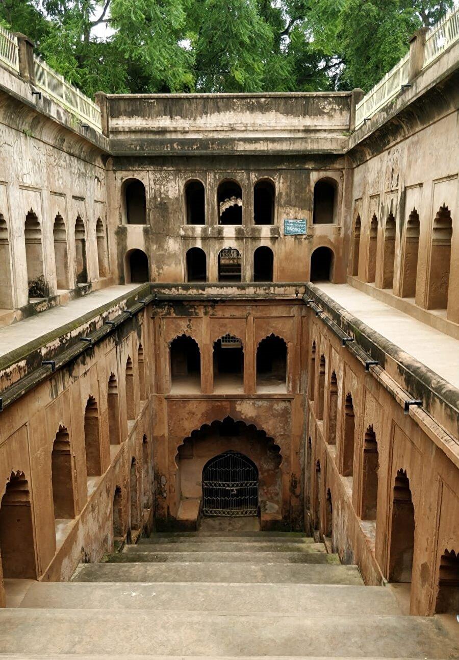 Yapı içinde sayısız tünel ve geçit bulunmaktadır. (Fotoğraf: Burak Uslu)