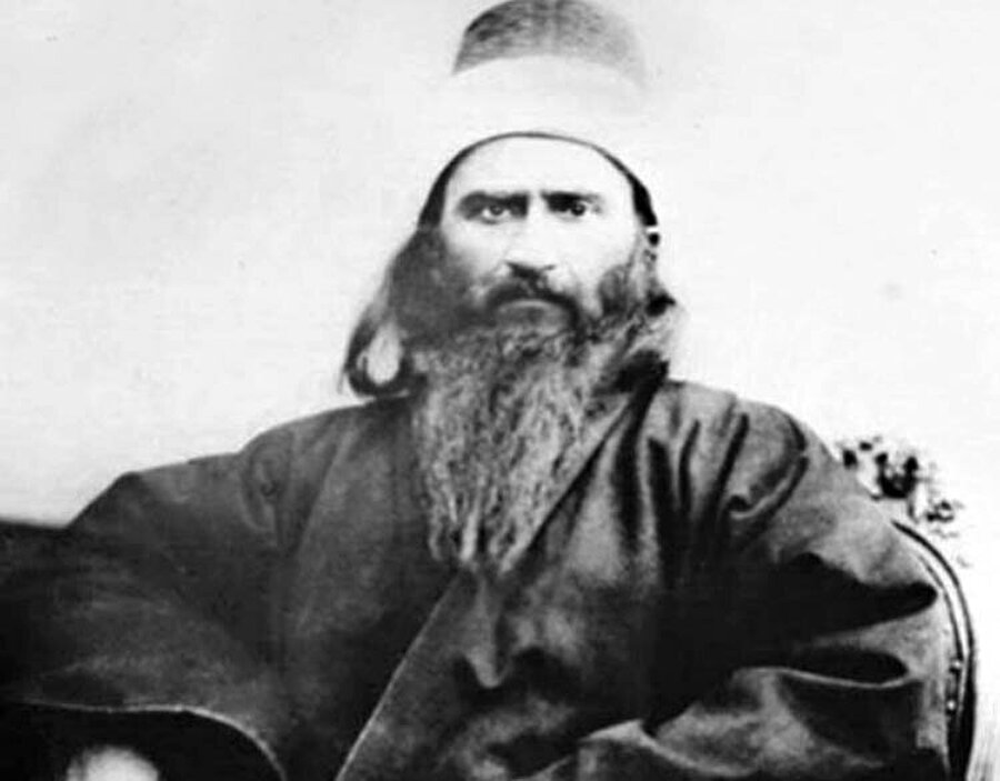 """""""Bahâullah"""" unvanıyla tanınan Mirza Hüseyin Ali, Bâbîliği yeni bir dine dönüştürdü."""